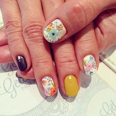 Toronto's boutique nail salon specialized in gel nail art! Find us at  www.getgelled.com  www.instagram.com/getgelled  Flower nail art with matte finish mustard yellow gel colour @getgelled