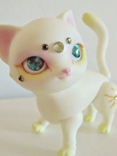 Ball-jointed cat doll