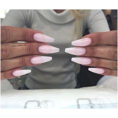 För prisuppgifter samt bokning vänligen gå in på WWW.TARAKSALONG.COM eller kontakta mig på 0706271993  @tara.k.skonhetssalong #req #reqsverige #naglar #nails #kampanj #nagelförlängning #lackgel #glitter #sparkle #shine #gele #beauty #nailie #nailitmag #nailstagram #salong #företag #business #nailsbyelize #gel #nailcare #lack #nagelteknolog #stockholm #järfälla #jakobsberg #rhinestones #sweden #sverige #nailfie