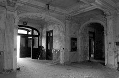 Foyer - Pennhurst State School  © opacity.us