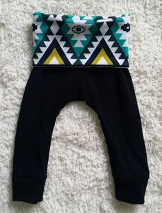 Hey, I found this really awesome Etsy listing at https://www.etsy.com/listing/200361926/infanttoddler-black-knit-leggings-with