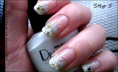 Sponge nail art tutorial by Elisa at Memorable Days.
