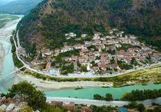 Osmanlı'nın hüküm sürdüğü Balkan ülkelerinden Arnavutluk'un en güzel şehirleri olan Berat ve Gijokastra…