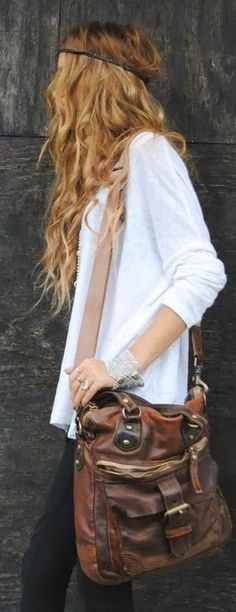 Look Boho Chic with a Headpiece Love everything about this look! although i'm not so sure I can pull that off when I have so little hair left. Hippie Style, Boho Hippie, Look Fashion, Fashion Beauty, Autumn Fashion, Gq Fashion, Indie Fashion, Bohemian Fashion, Fashion Women