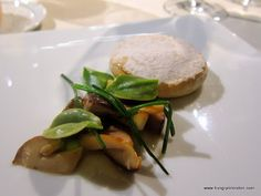 Curd cheese in its own rind, mushrooms and coastal herbs - Mugaritz
