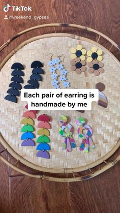 Fimo Clay, Polymer Clay Projects, Clay Beads, Polymer Clay Jewelry, Diy Clay Earrings, Biscuit, Clay Creations, Jewelry Crafts, Coin Necklace