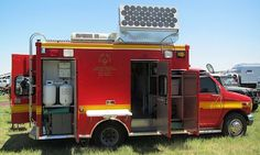 1997 Ford E-350 Super Duty ambulance packs a 7.3-liter Power Stroke diesel and a limited-slip differential