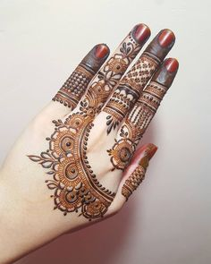 Mehndi henna designs are always searchable by Pakistani women and girls. Women, girls and also kids apply henna on their hands, feet and also on neck to look more gorgeous and traditional. Back Hand Mehndi Designs, Finger Henna Designs, Henna Art Designs, Mehndi Designs For Girls, Mehndi Designs For Beginners, Modern Mehndi Designs, Mehndi Design Photos, Mehndi Designs For Fingers, Latest Mehndi Designs