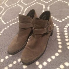 Stuart Weitzman Weatherproof Suede Booties Gorgeous lightly worn Weatherproof ankle boots by Stuart Weitzman. These fit a 9-9.5, and are perfect for the fall. Low heel (~1in). Stuart Weitzman Shoes Ankle Boots & Booties