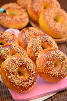 I am here with the recipe in the form of a bagel as pofidic, practical and very delicious as cotton. Easy Sandwich Recipes, Easy Rice Recipes, Delicious Cake Recipes, Donut Recipes, Cookbook Recipes, Yummy Cakes, Baby Food Recipes, Baking Recipes, Dessert Recipes
