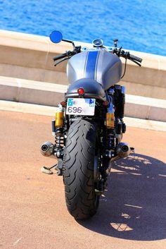 Bultaco Motorcycles, Motos Yamaha, Cool Motorcycles, Kawasaki Cafe Racer, Yamaha Cafe Racer, Retro Motorcycle, Cafe Racer Motorcycle, Classic Motorcycle, Yamaha Sport