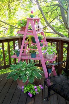 I may need to make one of these 'plant stands' :)
