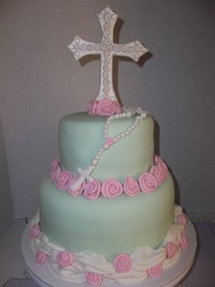 Love this cross. First communion cake