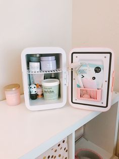 this is the mini fridge that i want Skin Tips, Skin Care Tips, Beauty Care, Beauty Skin, Beauty Tips, Face Beauty, Lipbalm, Care Organization, Face Skin Care