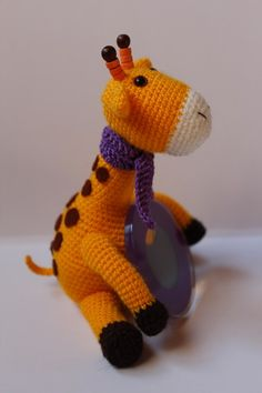 Giraffe-Amigurumi with a Frame for Phot ~ Free Russian Pattern