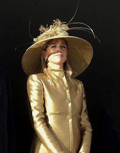 Dutch Royalty, Casa Real, Queen Maxima, Royal Fashion, Fashion Hats, Satin Blouses, Hats For Women, Netherlands, Princess Zelda