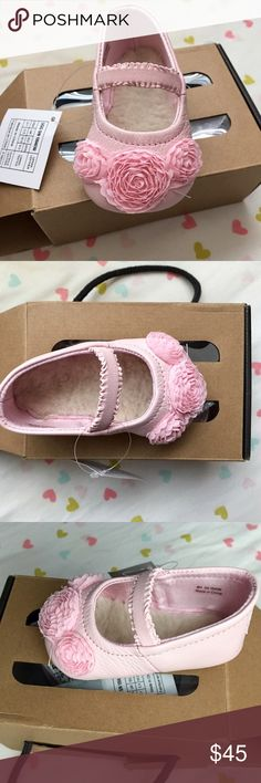 Ugg infant shoes Size 0/1 infant. Never worn (: UGG Shoes Dress Shoes
