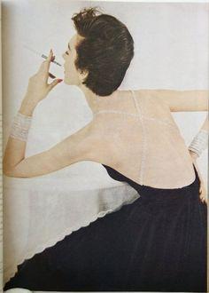 Dovima - Photo by Richard Avedon    Harper's BAZAAR August 1953 by carole