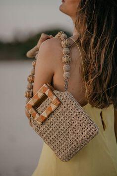 Crochet Tote, Crochet Handbags, Bag Pattern Free, Fair Trade Fashion, Yarn Projects, Knitted Bags, Textiles, Crochet Clothes, Chanel Boy Bag