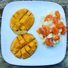 Fruit ontbijt by Larisse | Larisse's Kitchen | mango & limoen is een top combi! Mango, Fruit, Food, Manga, Essen, Yemek, Meals