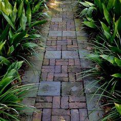 Landscape Ideas and Garden walkway design. Tropical Landscaping, Backyard Landscaping, Landscaping Ideas, Backyard Ideas, Backyard Walkway, Luxury Landscaping, Landscaping Company, Amazing Gardens, Beautiful Gardens