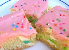 Funfetti Bars. Gotta make these with my leftover funfetti mix from the birthday cake popcorn :)