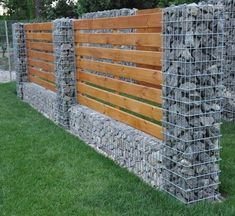 8 Auspicious Cool Tips: Front Yard Fence Craftsman fence and gates cheap.Old Rustic Fence garden fence outdoor.Fence And Gates Shape. Backyard Fences, Garden Fencing, Backyard Landscaping, Landscaping Ideas, Backyard Privacy, Decking Fence, Privacy Fences, Privacy Screens, Garden Retaining Wall