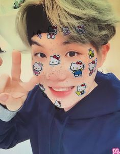 Bts Taehyung, Jimin, Hello Kitty Pictures, Swag Boys, Picture Boards, Min Suga, Attractive Men, Memes, Filters