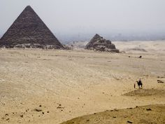 100 epic travel memories from a life long wander luster. From over 40 countries and cities these are some of the most, random, amazing, fun, adventure stories from a travel enthusiast. Pyramids Egypt, Travel Workout, Photography For Sale, Travel Memories, Travel Photos, Monument Valley, Vancouver, Africa, Explore