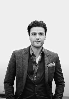 layers // blazer, sweater, oscar isaac, menswear, mens style, pocketsquare