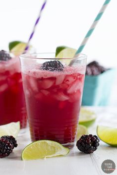 You can make your own fancy soda at home! This Blackberry Lime Soda is sweet and sour and tart and refreshing – perfect for an afternoon treat! Mocktail Drinks, Fruit Drinks, Drinks Alcohol Recipes, Dessert Drinks, Smoothie Drinks, Non Alcoholic Drinks, Smoothie Recipes, Beverages, Cold Drinks