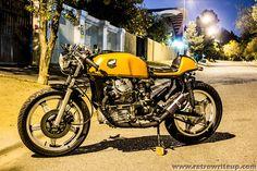 Marco y su potente Honda Cx500 Cafe Racer, Cafe Racer Motorcycle, Motorcycle Outfit, Cafe Racers, Motorcycle Girls, Honda V, Honda Cx500, Honda Bikes, Vintage Cafe
