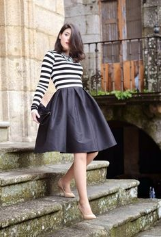 16 Outfit Ideas With A Midi Skirt | fashionsy.com