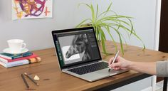 Watch out Wacom! Inklet is a new app by Ten One Design that allows your trackpad to emulate a pen tablet! Inklet takes advantage of the new Macbook´s Force Touch technology (senses how hard you are pressing) making your trackpad act like a drawing ta Drawing Tablet, New Macbook, Macbook Air, Software, Transformers, Me App, Cool Tech, Retina Display, Apps