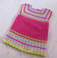 vauvan virkattu mekko