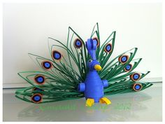 3D Quilled Peacock This is actually very easy to make.
