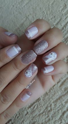 20 Modelos de unhas francesinhas com flor; Veja: 20 Modelos de unhas francesinhas com flor; Us Nails, Pink Nails, Hair And Nails, Elegant Nail Art, French Tip Nails, Flower Nail Art, Nail Decorations, Creative Nails, Manicure And Pedicure