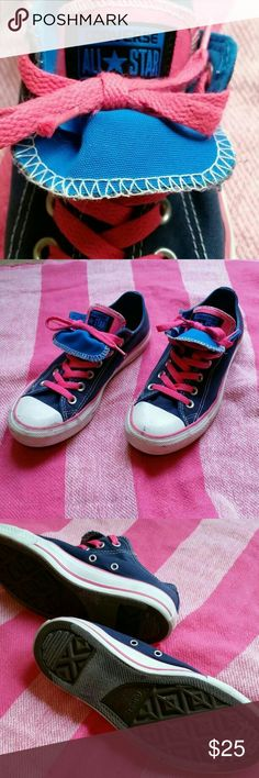 Converse all star women's 7 Double tongue w hot pink laces. Great shape! Converse Shoes