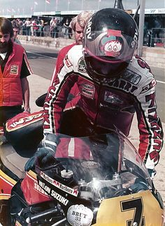 Habermann & Sons Classic Motorcycles and Motorcycle Racers, Suzuki Motorcycle, Racing Motorcycles, Motorcycle Images, Motorcycle Types, Grand Prix, Bike Rider, Old Bikes, Super Bikes