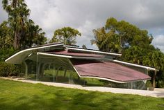 """Designed by Undercurrent Architects, this curiously-designed house is a private residence located in Sydney, Australia. The roof looks like fallen leaves, thus it has been dubbed the """"Leaf House"""". Residence Architecture, Australian Architecture, Modern Architecture House, Amazing Architecture, Architecture Details, Home Design, Unique House Design, Interior Design, Design Art"""