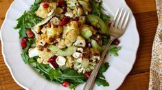 Roasting cauliflower brings out its sweet, nutty flavor that pairs perfectly wit… Roasting cauliflower brings out its sweet, nutty flavor that pairs perfectly with hazelnuts and pomegranate seeds. Get our roasted cauliflower salad recipe. 21 Day Fix Vegetarian, Vegetarian Recipes, Healthy Recipes, Fixate Recipes, Roasted Cauliflower Salad, 21 Day Fix Diet, Grenade, Chicken Salad Recipes, Food Hacks