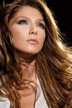 Aggeliki Iliadi - Greek Singer Greek Woman, Greek Icons, Models Makeup, Greeks, Famous Women, Woman Crush, Mythology, Singers, Beautiful People