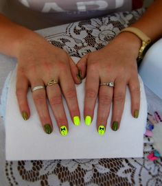 #summer #nails #hybrid #neon #yellow #cute #dark #green #iloveit