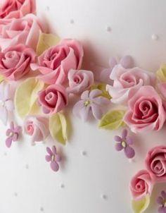 Things I love, Sugar flowers Fondant Flowers, Edible Flowers, Sugar Flowers, Dana Lynn, Sugar Rose, Cake Craft, Homemade Desserts, Flower Tutorial, No Bake Cake