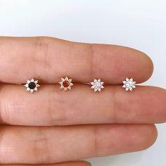 Piercing oreja daith earrings 55 ideas for 2019 Conch Earring, Cartilage Earrings, Women's Earrings, Diamond Earrings, Piercing Daith, Tragus Stud, Diamond Studs, Earring Set, Nose Jewelry