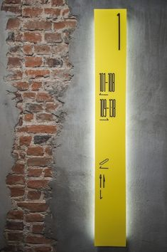 wayfinding for columns? // Wayfinding Environmental Signage at the Tobaco Hotel / Design Visual, Graphisches Design, Stand Design, Booth Design, Urban Design, Office Signage, Retail Signage, Hotel Signage, Environmental Graphic Design