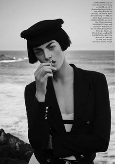 milly-simmonds-elle-germany-navy-style-2016- (6).jpg