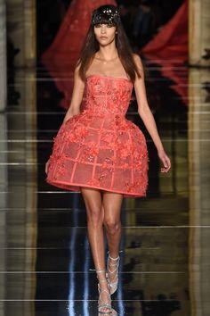 Zuhair Murad Frühjahr/Sommer 2016 Haute Couture - Fashion Shows Fashion Week, Runway Fashion, Fashion Show, Fashion Outfits, Fashion Trends, Couture Looks, Haute Couture Fashion, International Fashion Designers, Spring Couture