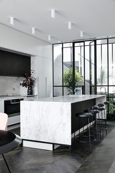 Gallery of Casa Atrio / Biasol – 6 - Interior design kitchen Modern Kitchen Interiors, Modern Kitchen Design, Home Decor Kitchen, Interior Design Kitchen, Modern Interior Design, Interior Architecture, Interior Ideas, Kitchen Ideas, Marble Interior