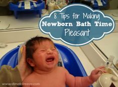 Simple and practical tips for giving newborns a bath. 8 Tips for Making Newborn Bath Time Pleasant ~ A Time to Freeze firstbathnewborn Baby Bath Time, Baby Time, Bath Time For Babies, Babies First Year, First Baby, Baby Information, Baby Health, Baby On The Way, Newborn Care